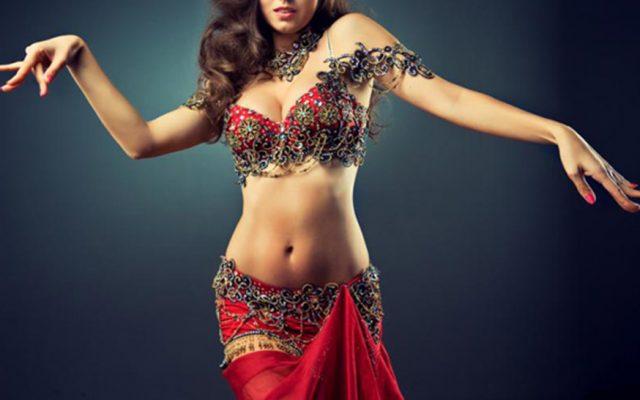 Bailar la danza del vientre