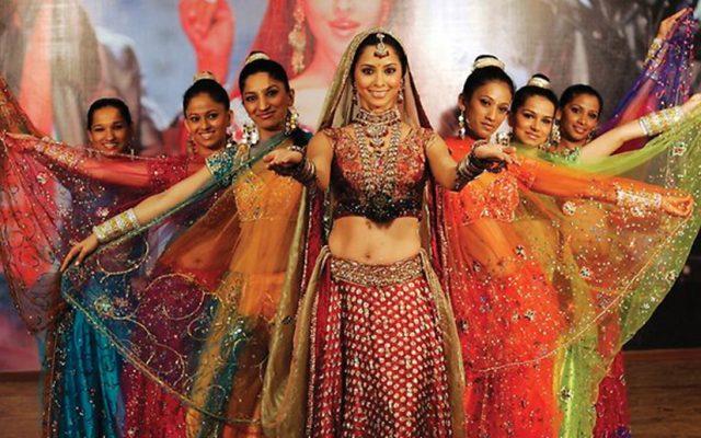 Bailer la Danza de Bollywood